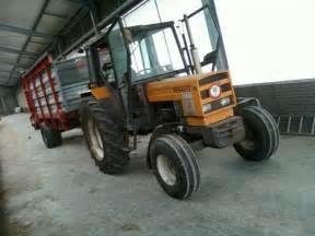 tracteur Renault 75-12 LS