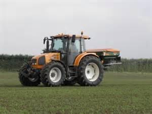 tracteur Renault ARES 566