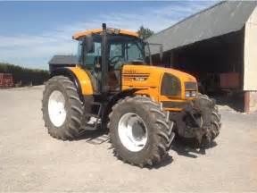 tracteur Renault ARES 815