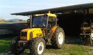 tracteur Renault PALES 240