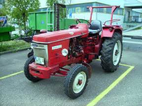 tracteur Renault SUPER 4D