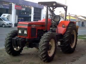 tracteur Zetor 5945
