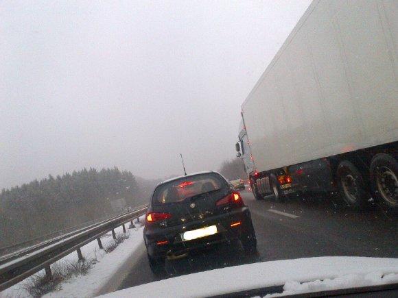 autoroute enneigée