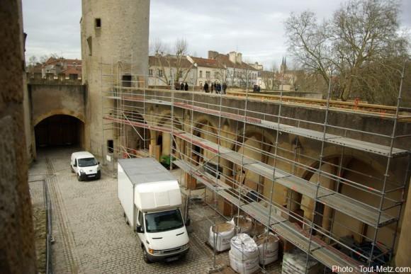 Rénovation de la porte des allemands. Photo Arnaud HOULLE pour Tout-Metz.com