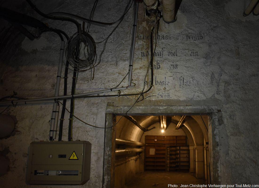 Les caves avec texte allemand. Photo : Jean Christophe Verhaegen, 7 avril 2015