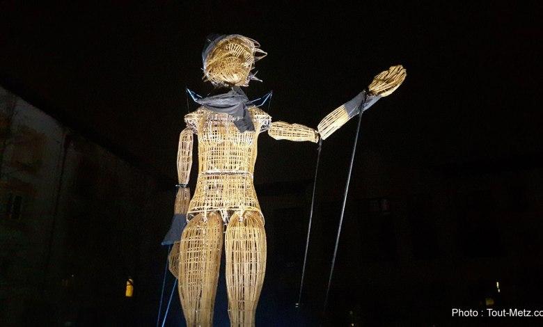 Photo of «Poussière d'étoiles» : un géant défile dans les rues de Montigny (vidéos et photos)