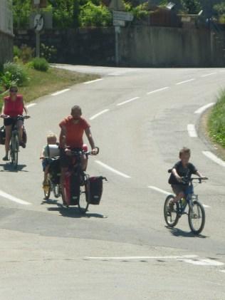 La petite famille au complet pour 3 jours de vélo !