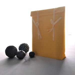 """Emballages - Pochettes cadeaux - Pois Blancs - Jaune """"Pois blanc"""""""