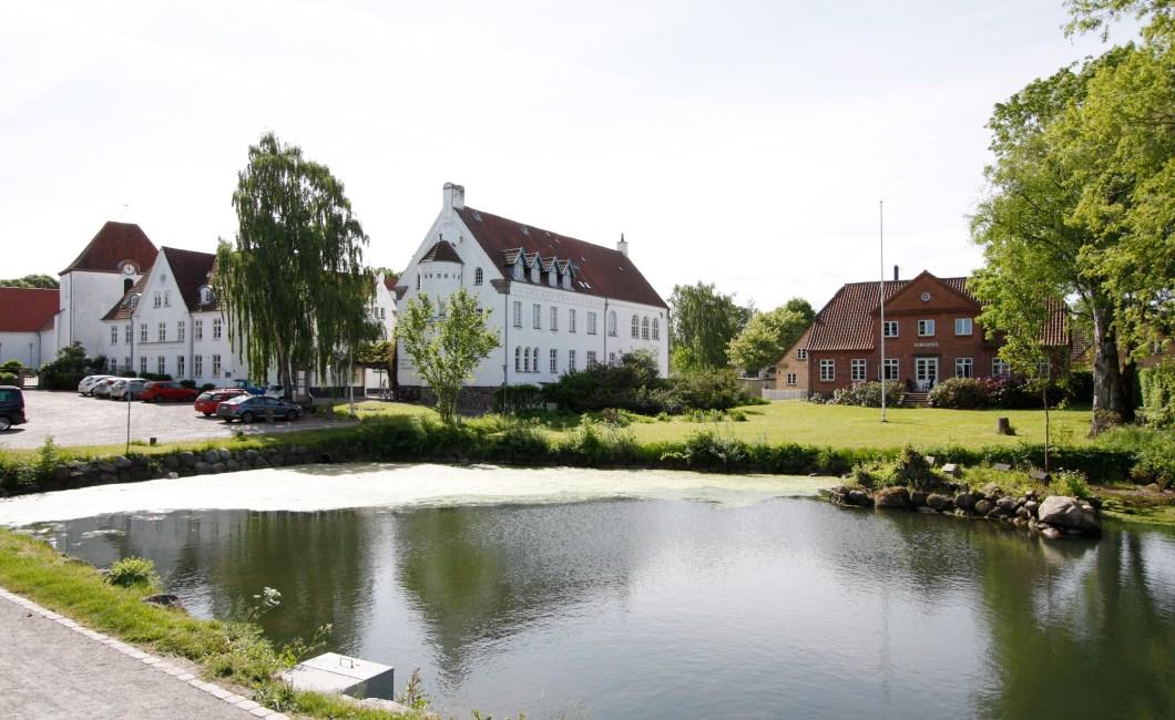 Ryslinge Højskole fik udviklet personas for sent.