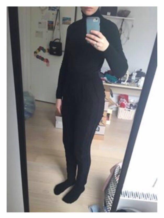 Billede af dagens outfit fra Camilla Juhls undersøgelse af bæredygtigt tøjforbrug.
