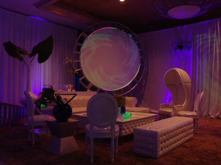 Circular-Truss-Projection-Lighting-and-lounge-decor