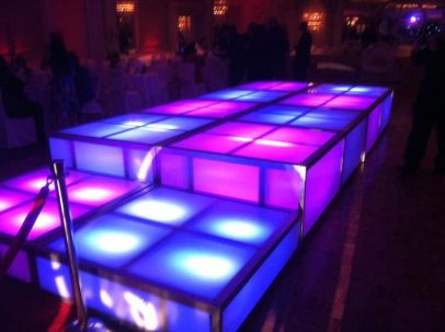 LED-cubes-Blue-Magenta