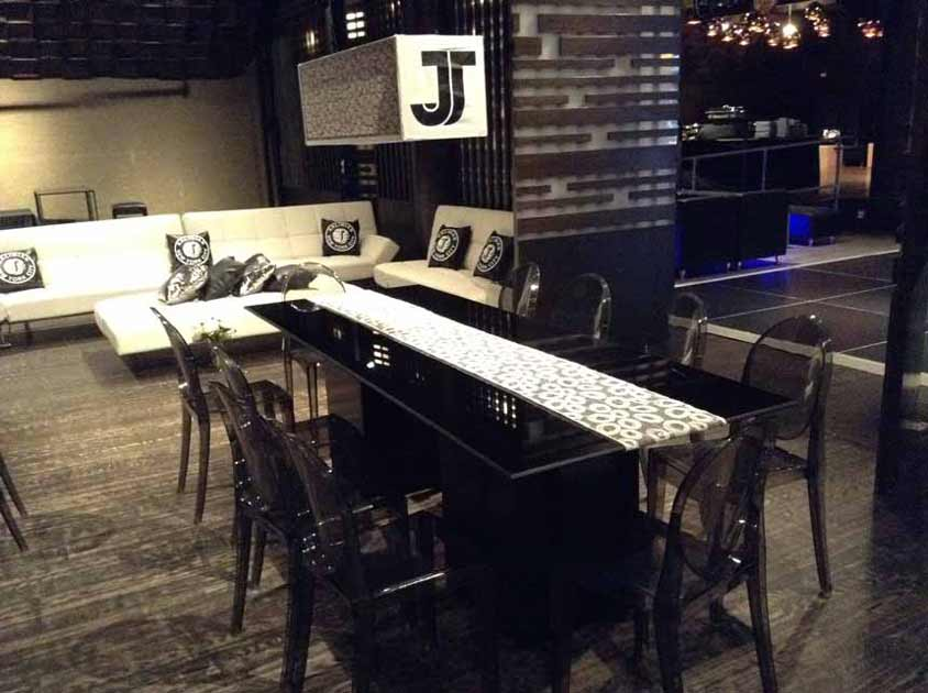 Black-Acrylic-Party-Table