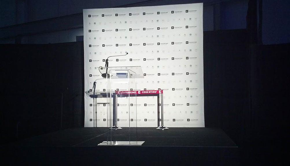 Corporate-speaking-podium-and-step-n-repeat-banner