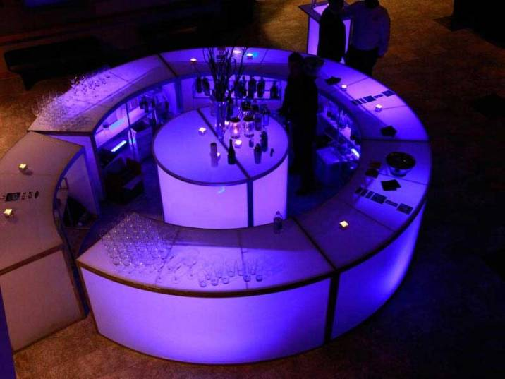 Full-circular-illuminated-bar-with-center-podium