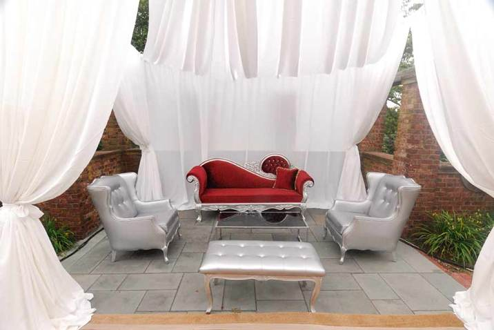 Havana-Privacy-Booth-Victorian-Lounge-Rental
