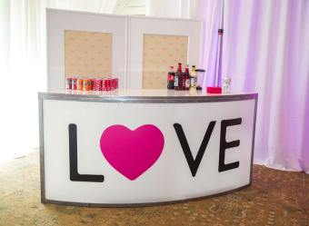 bat-mitvah-furniture-rentals-curved-bar-with-Love-Sticker