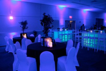 blue-mitzvah-adult-seating-with-community-tables-for-guests