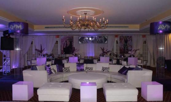 illuminated-cubes-white-lounge-furniture-and-custom-pillows