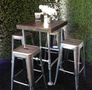 Country-chick-event-table-and-seating