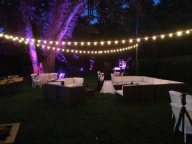 Outdoor-rustic-wedding-decor-and-lounge-furniture
