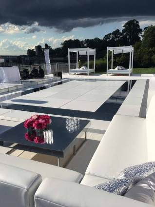 White-club-sofas-with-corners