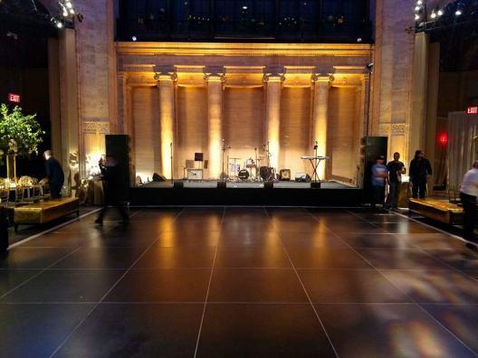 Portable dance floor in black