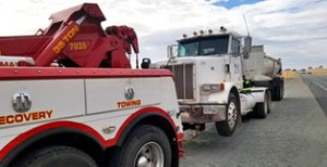 Heavy Duty Tow Truck for Big Rigs