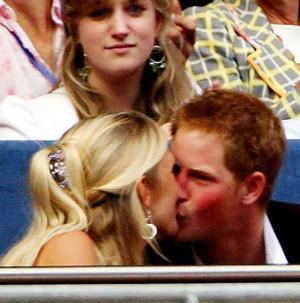 Harry_kiss_2