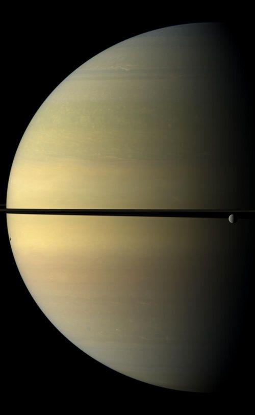 Saturn_rhea