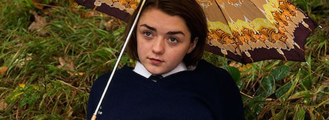 The-falling-maisie-williams
