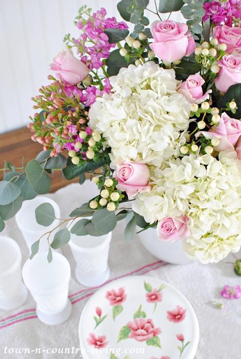 DIY Spring Flower Arrangement Town Amp Country Living