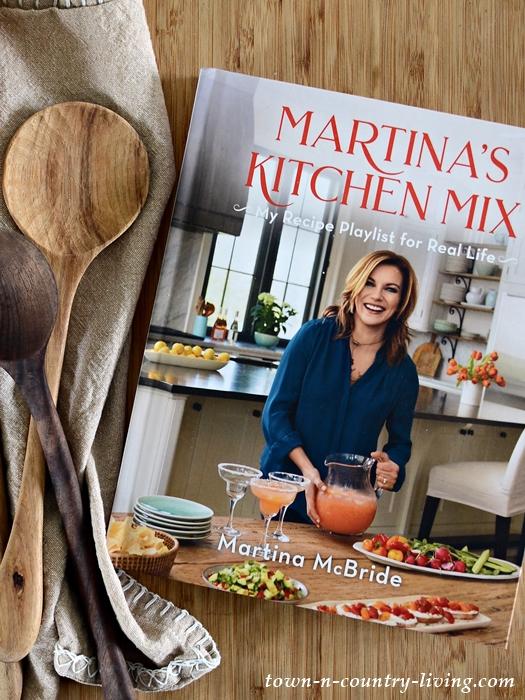Martina's Kitchen Mix. The New Martina McBride Cookbook