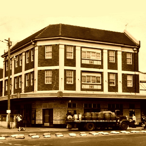 Vintage picture of Town Hall Hotel Newtown