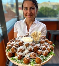 mEATBALLS WITH SERVER