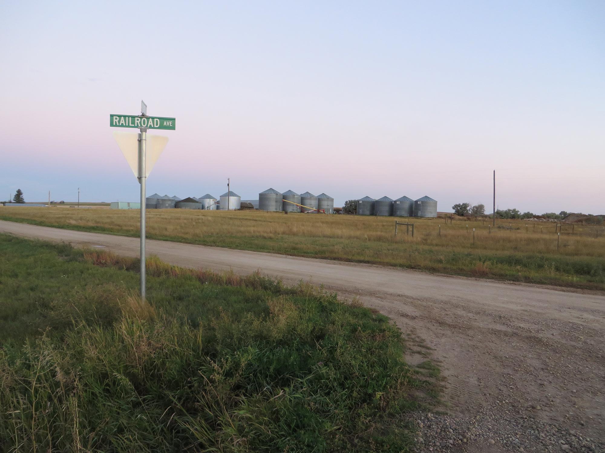 Railroad Ave