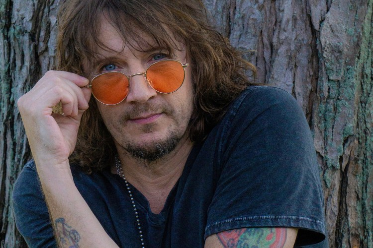 Listen to Donnie Vie's 'I Could Save the World': Premiere