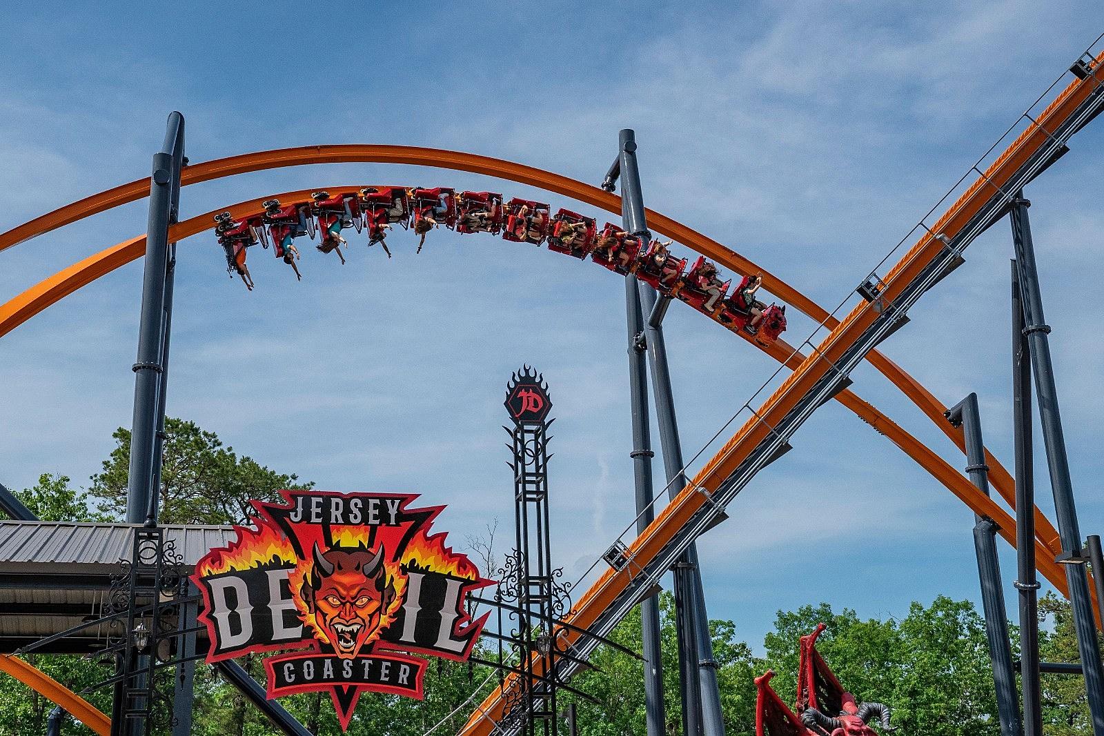 Six Flags Debuts New Record Setting Coaster