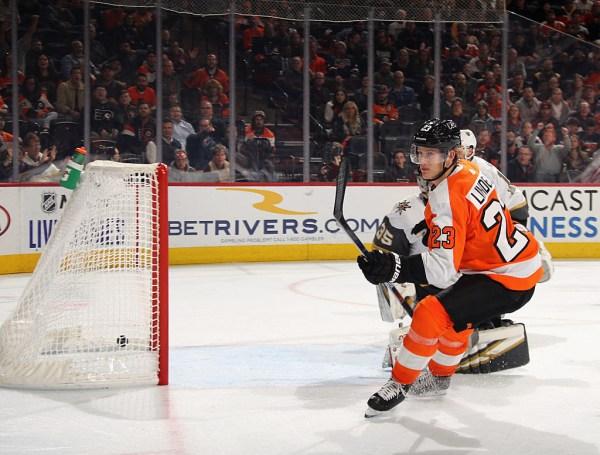 Flyers Score 4 in 2nd, Roll Past Vegas
