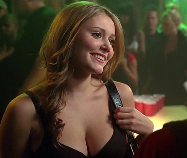 Julianna Guill Who First Caught Our Eye In The Friday The Th Remake She Later Starred In The Short Lived Tbs S Comedy Glory Daze And Appeared