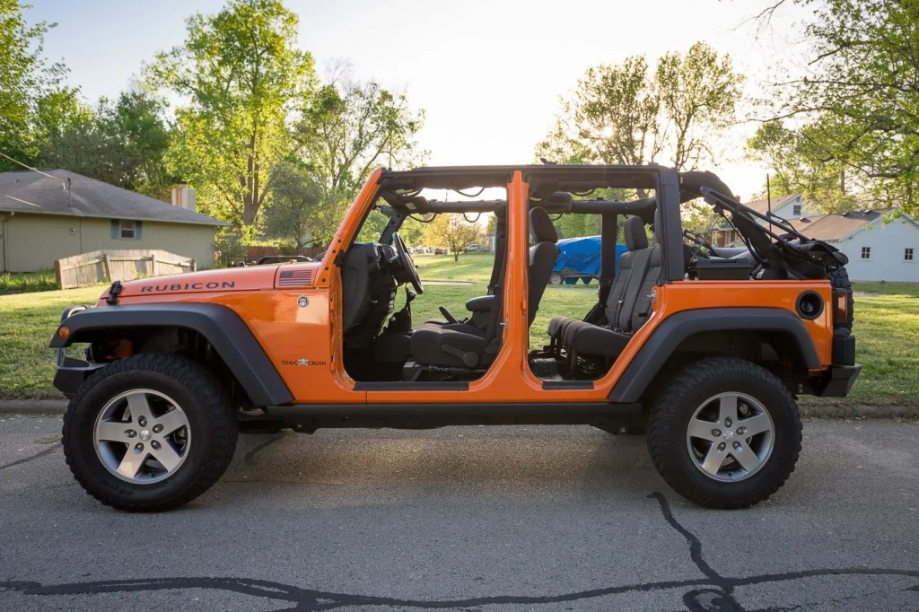 Naked-Jeep-3
