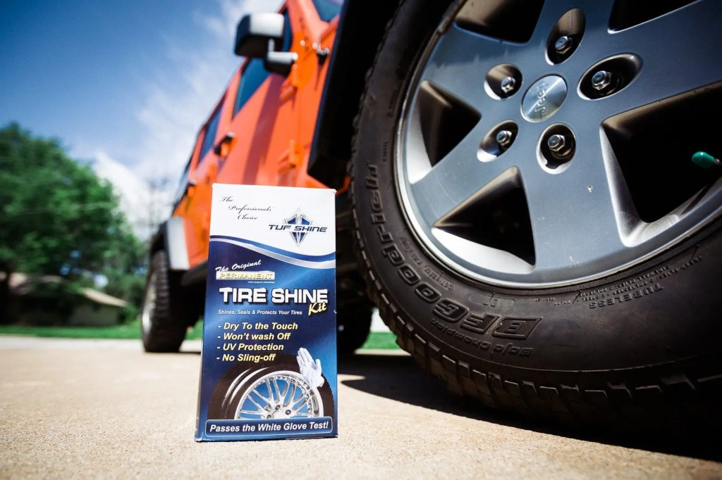 Jeep_tire_shine-1
