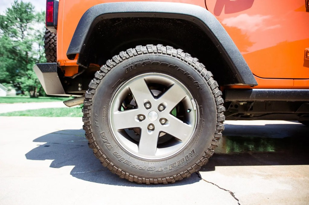 Jeep_tire_shine-6