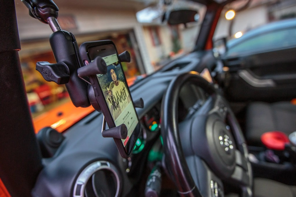 RAM Mount Universal X-Grip Phone Cradle with B-Ball RAM