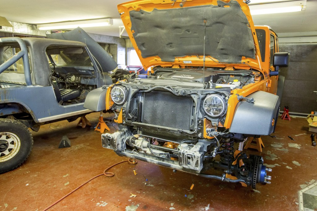 Installing Currie Enterprises suspension system