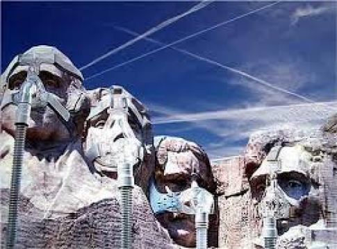 Chemtrails on Mount Rushmore @ ToxicNow.com.jpg