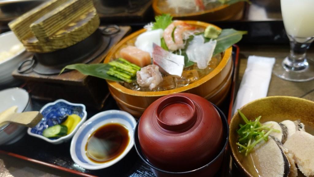 釜めし(鯛)の刺身定食