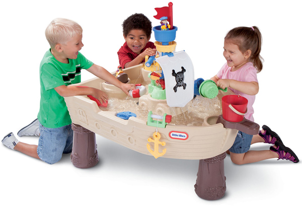10 Best Water Tables for Toddlers This Summer 2018