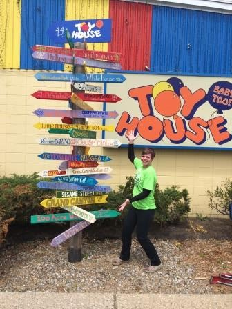 Toy House, Jackson, Michigan, toy store, directional pole