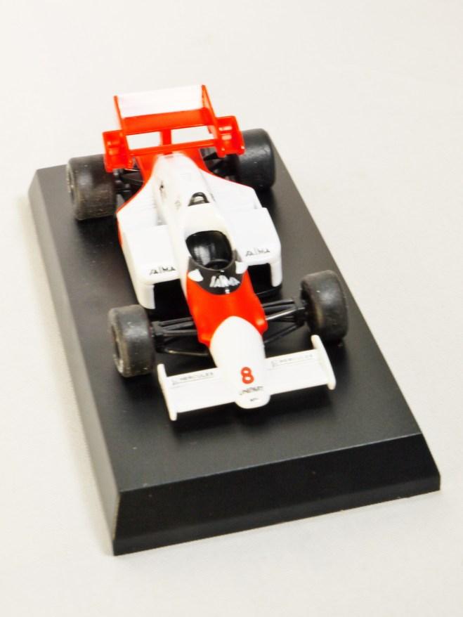 1-64-kyosho-mclaren-minicar-collection-formula-1-mp4-2-no-8-red-white-04